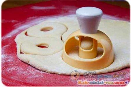 Как сделать пончики донатс?