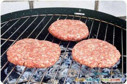 Как приготовить чизбургер?