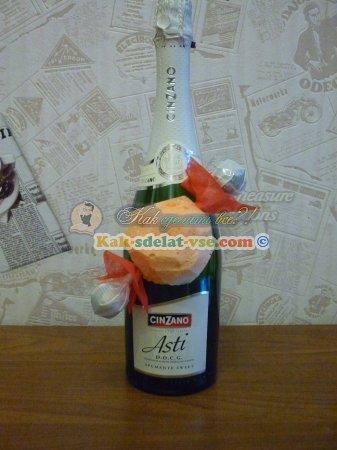 Как оформить бутылку шампанского на свадьбу?