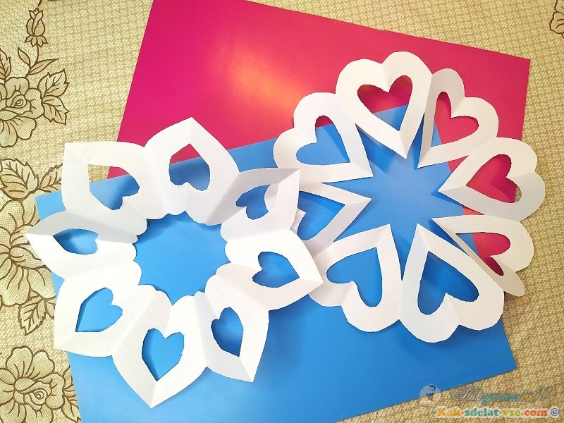 Как сделать снежинку в виде сердечек? 2 варианта.